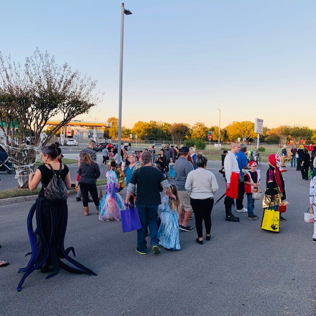 Trunk or Treat Crowd