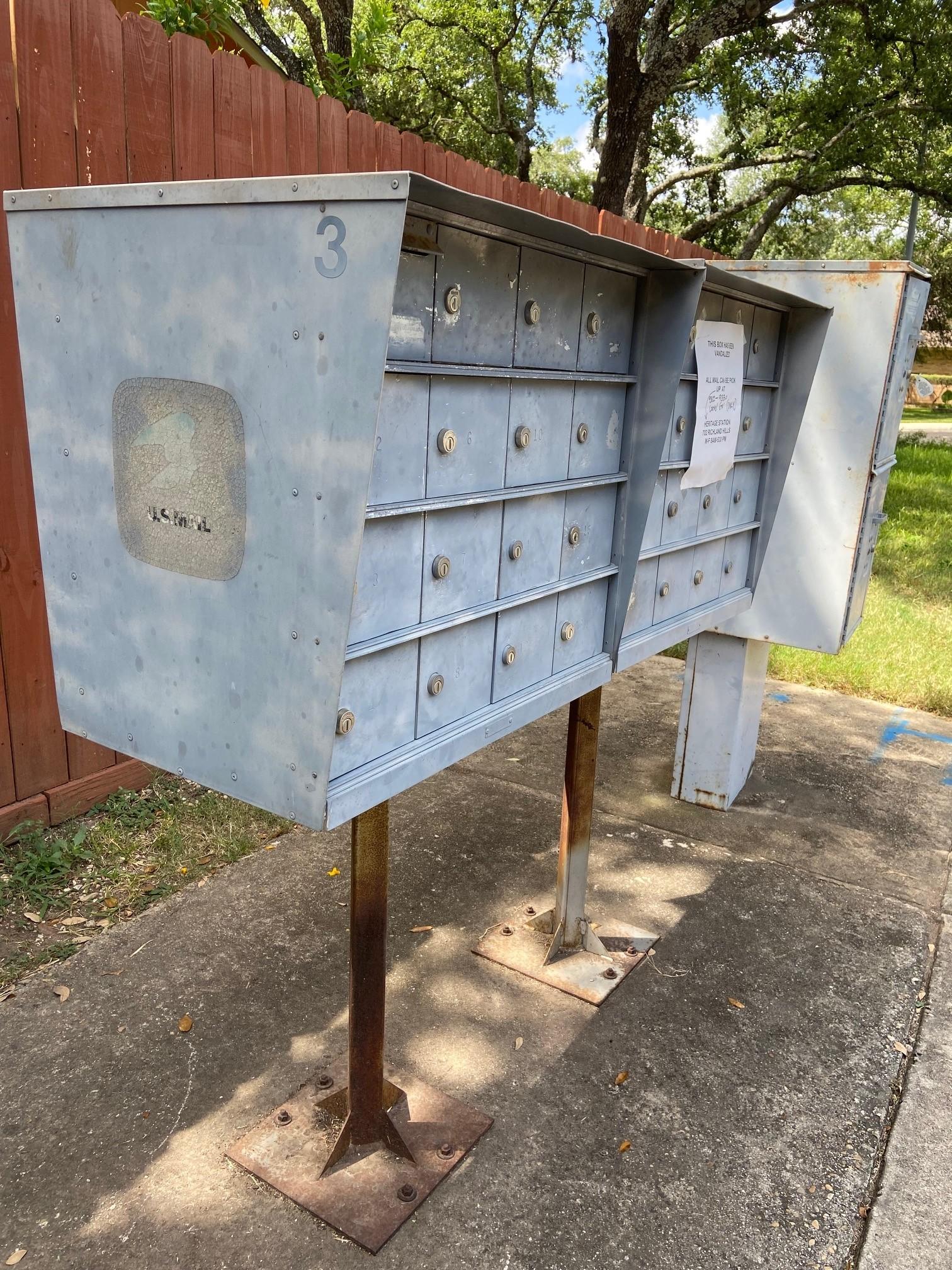Mailbox Pic1